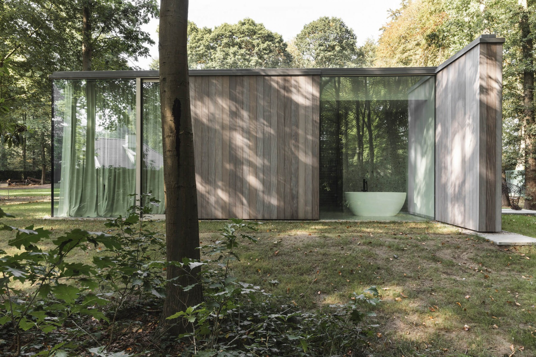 poolhouse afrormosia planchet 4
