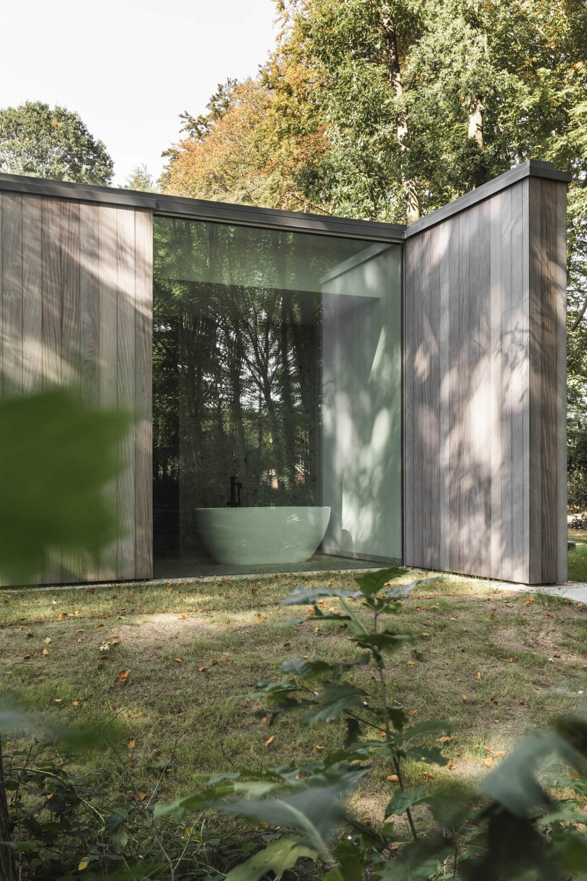 poolhouse afrormosia planchet 6